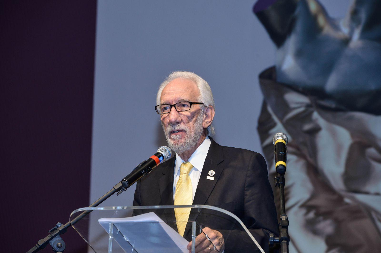 c9c4fbc17 O presidente do Sistema Fecomércio Sesc Senac PR, Darci Piana (foto),  acredita que os empreendedores do comércio de bens, serviços e turismo  travam ...